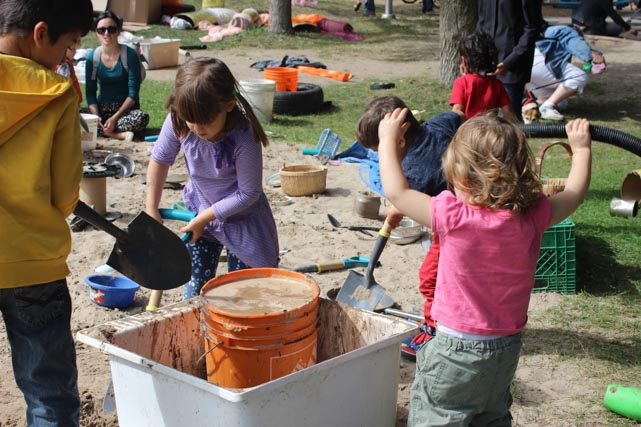outdoor play loose parts Earth Day Canada EarthPLAY