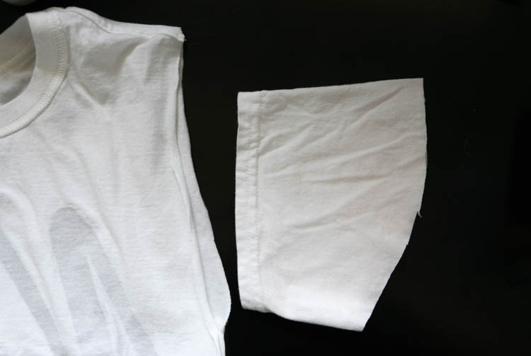 upcycling tshirt into nightshirt:attaching sleeves
