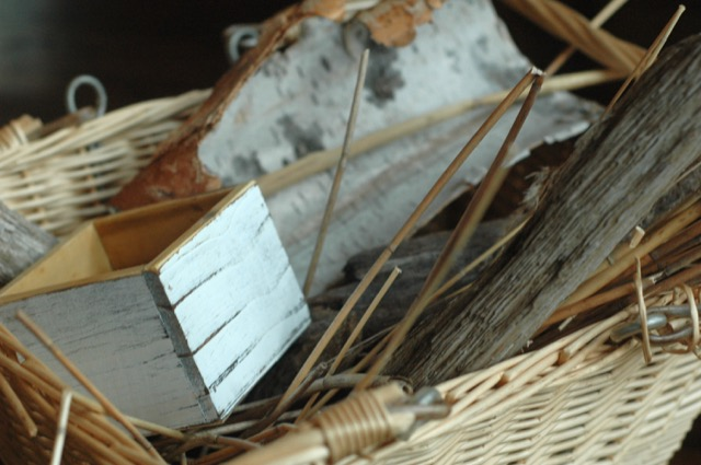 Build a solitary bee house with natural materials