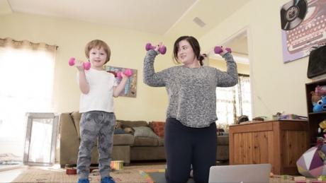 A mom and her kid with healthy body image
